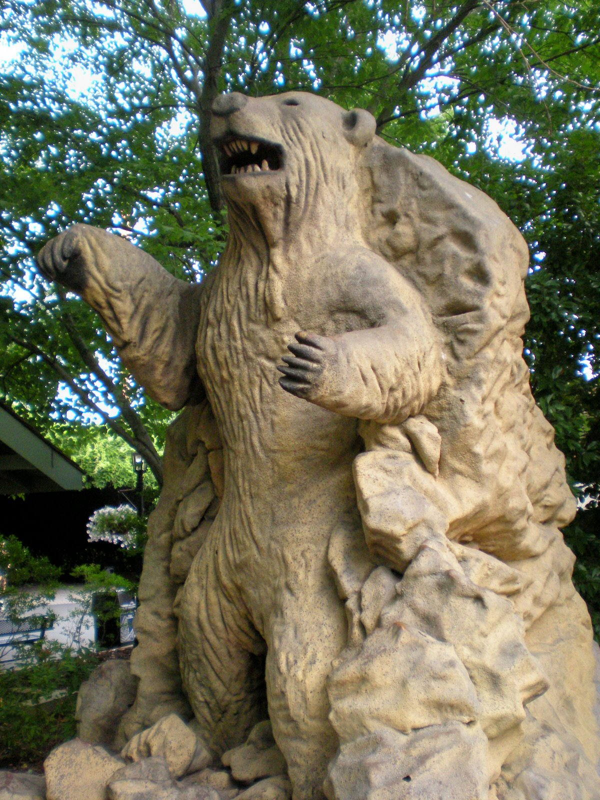 bear carving
